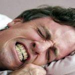 Tật nghiến răng gây ê buốt răng hàm