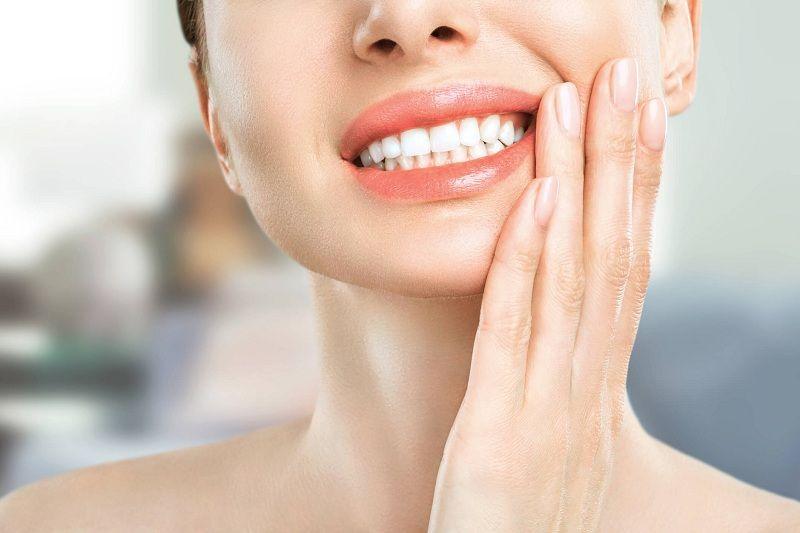 Nền răng yếu khiến cho bạn cảm thấy ê nhức răng